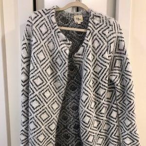 Medium white wool open cardigan